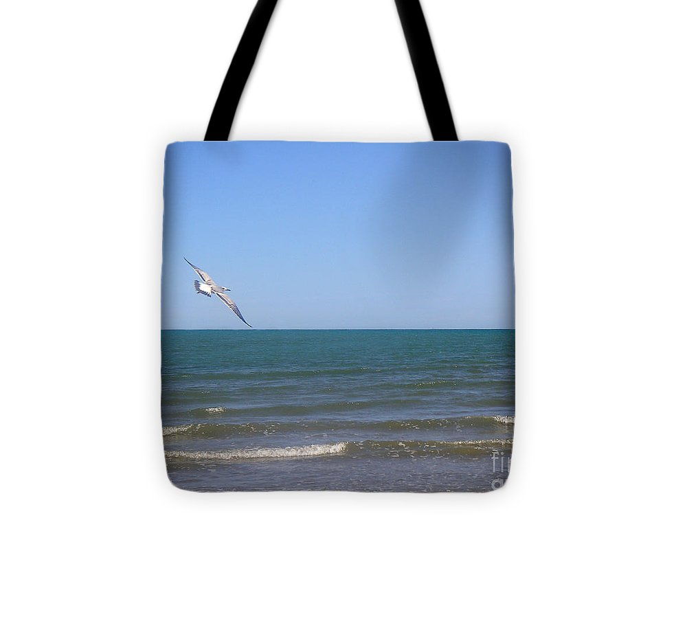 Nature Tote Bag featuring the photograph Being One With The Gulf - Soaring by Lucyna A M Green
