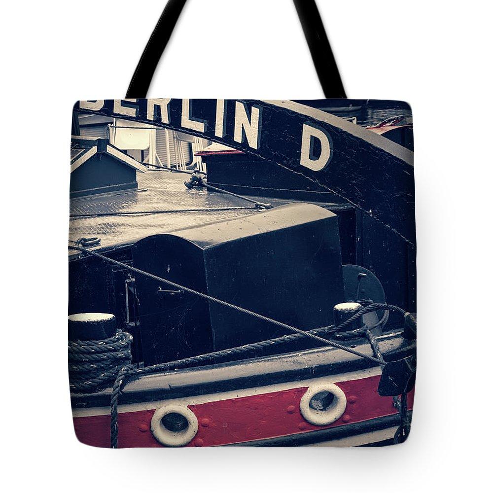 Berlin Tote Bag featuring the photograph Berlin - Historischer Hafen by Alexander Voss