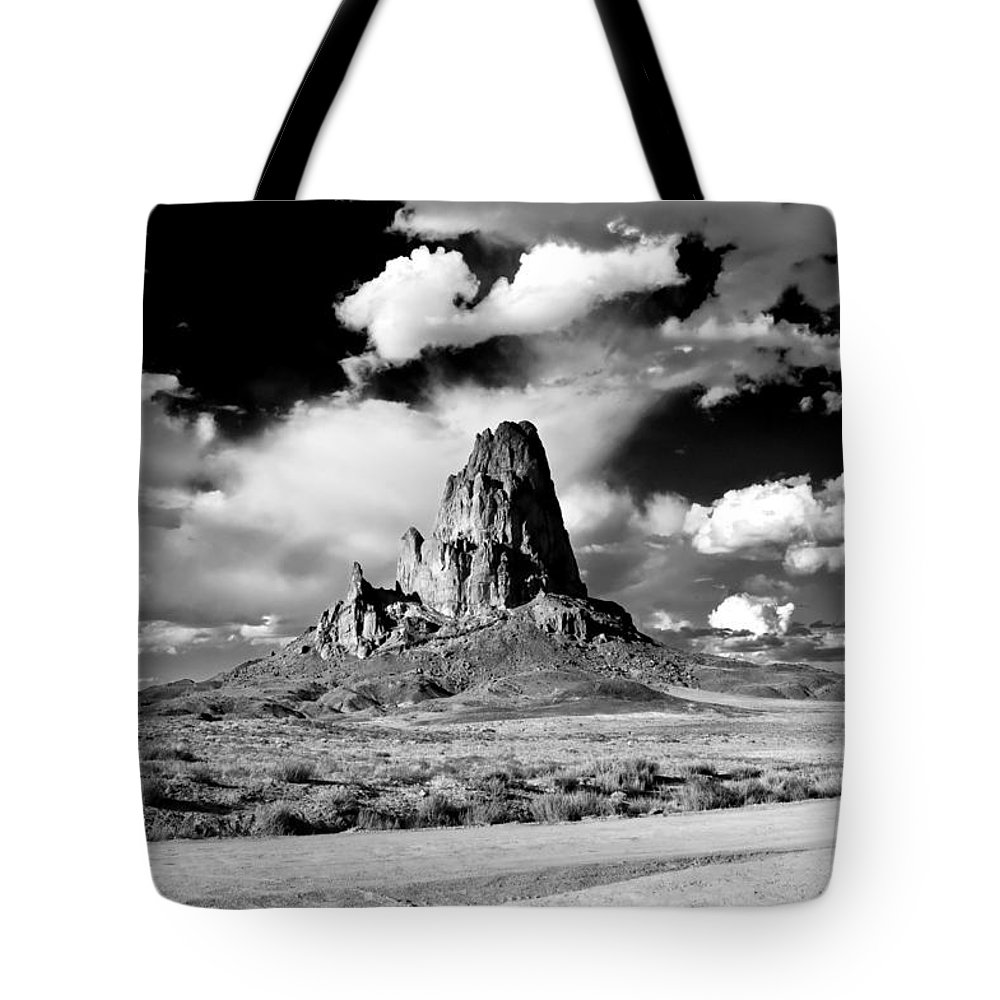 Canyon De Chelly Tote Bag featuring the photograph Between Monument Valley And Canyon De Chelley by Paul Basile