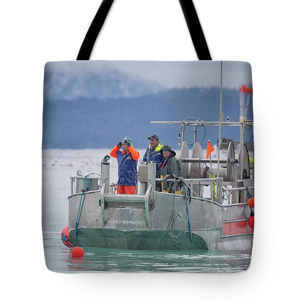 Between Sets Tote Bag featuring the photograph Between Sets by Randy Hall