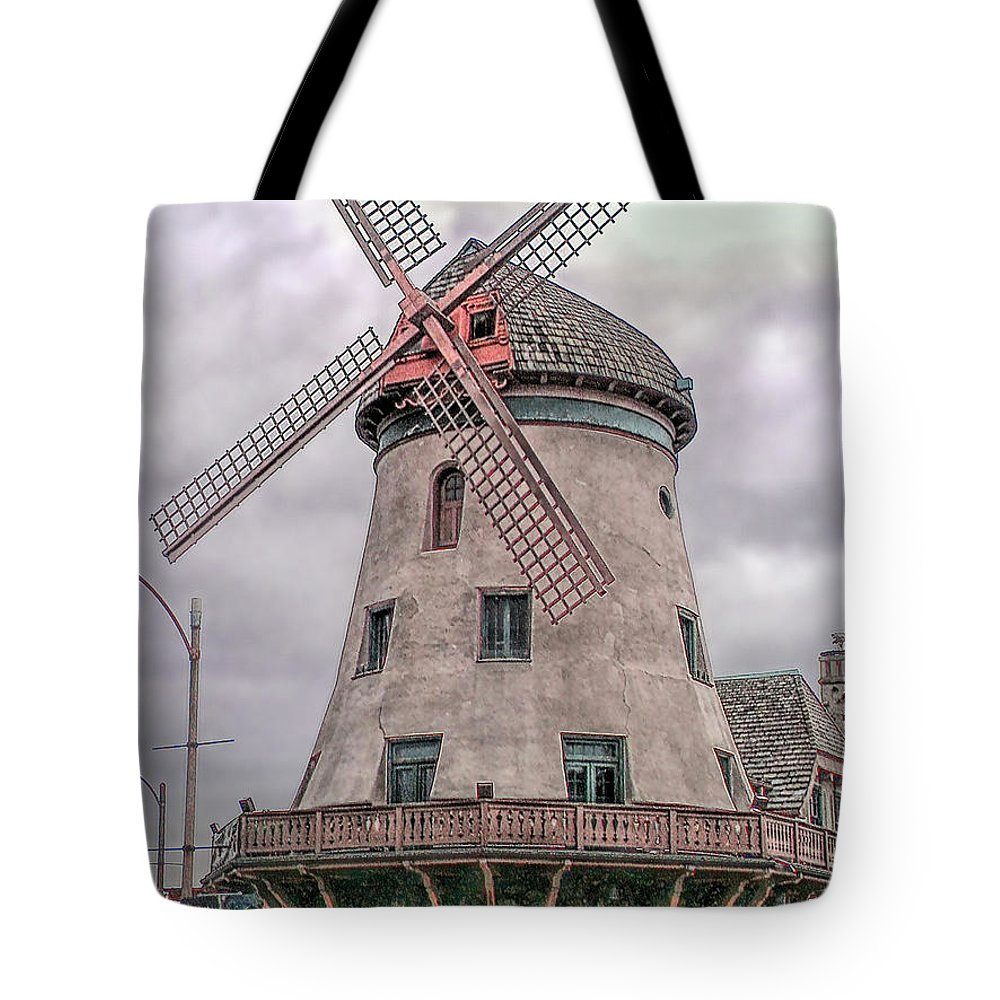 Bevo Mill Tote Bag featuring the photograph Bevo Mill by C H Apperson