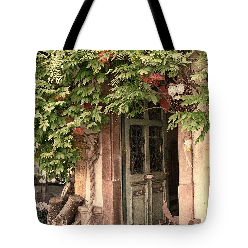 Door Tote Bag featuring the photograph Bienvenue by John Bushnell