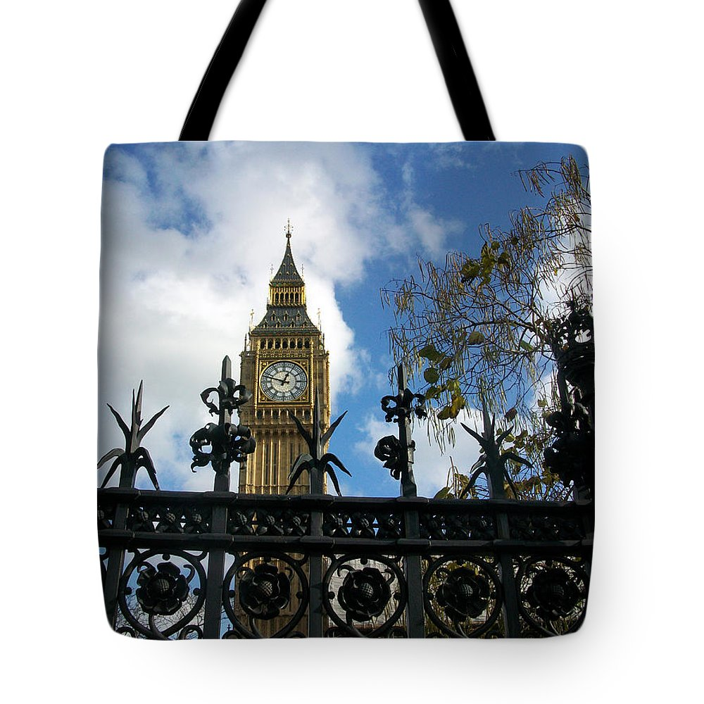 London Tote Bag featuring the photograph Big Ben by Munir Alawi