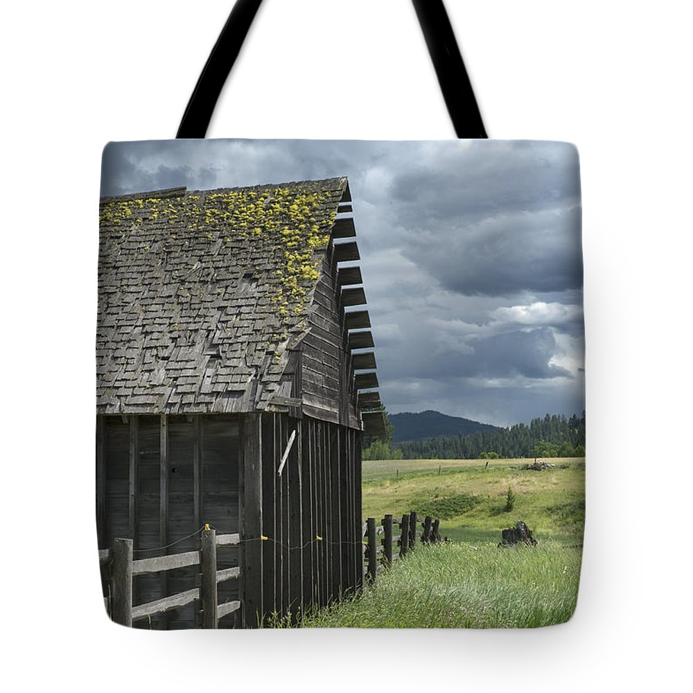 Big Sky Tote Bag featuring the photograph Big Sky Cabin by Sandra Bronstein