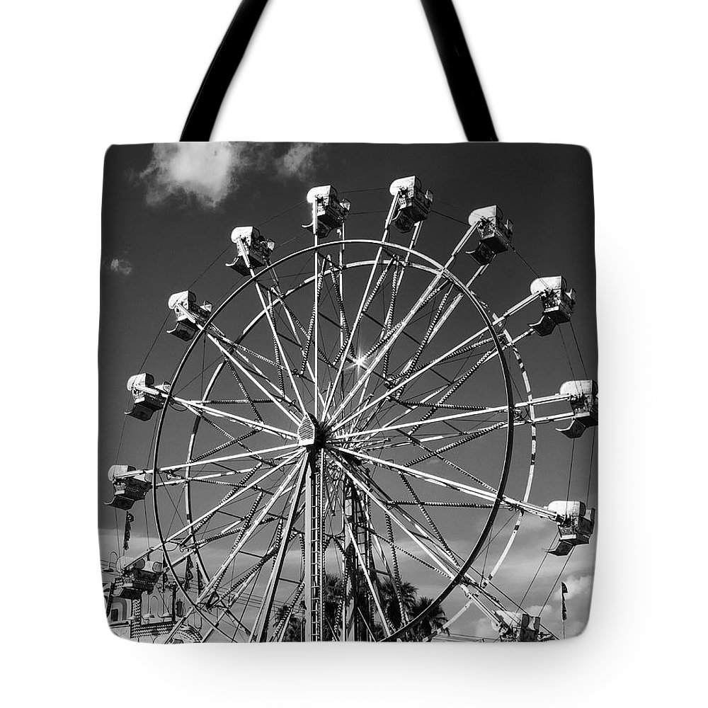 Ferris Wheel Tote Bag featuring the photograph Big Wheel by William Dey