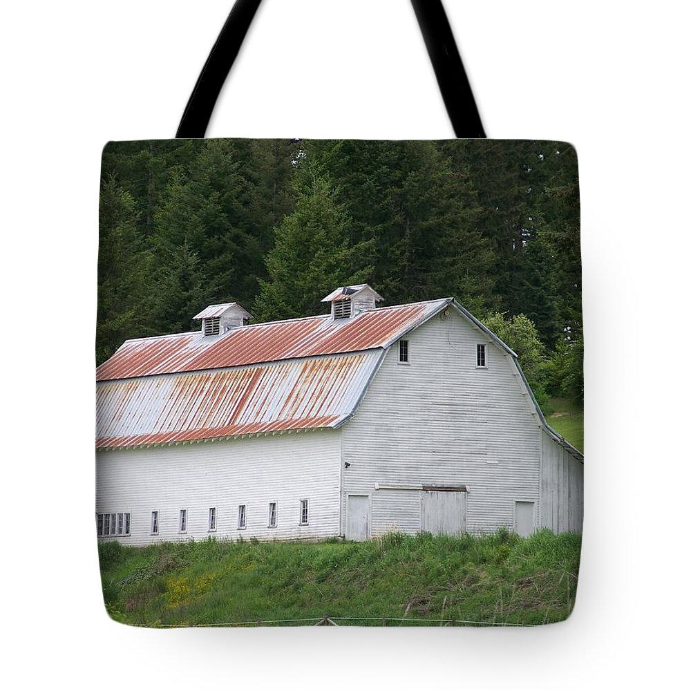 White Tote Bag featuring the photograph Big White Old Barn With Rusty Roof Washington State by Laurie Kidd