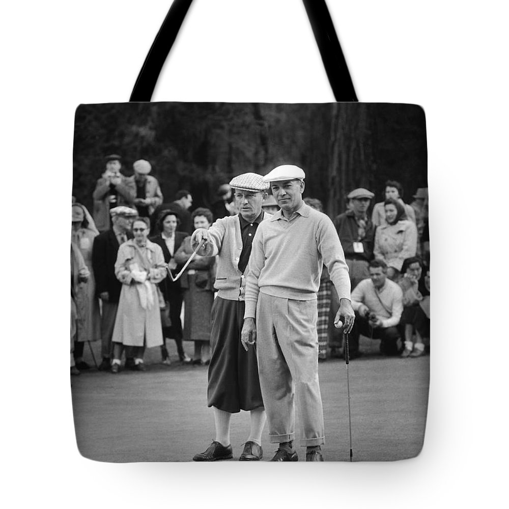 1940s Tote Bag featuring the photograph Bing Crosby And Ben Hogan by Underwood Archives