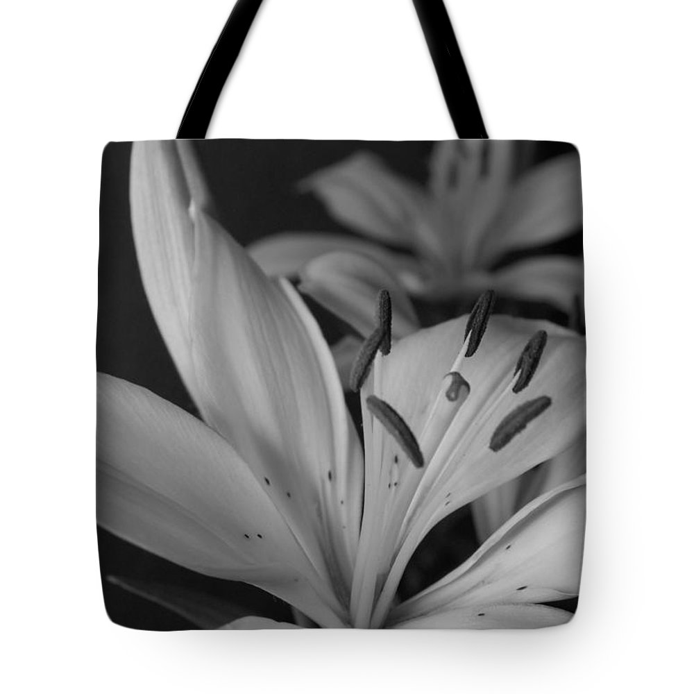 Flower Tote Bag featuring the photograph Black And White Lilies 2 by Amy Fose