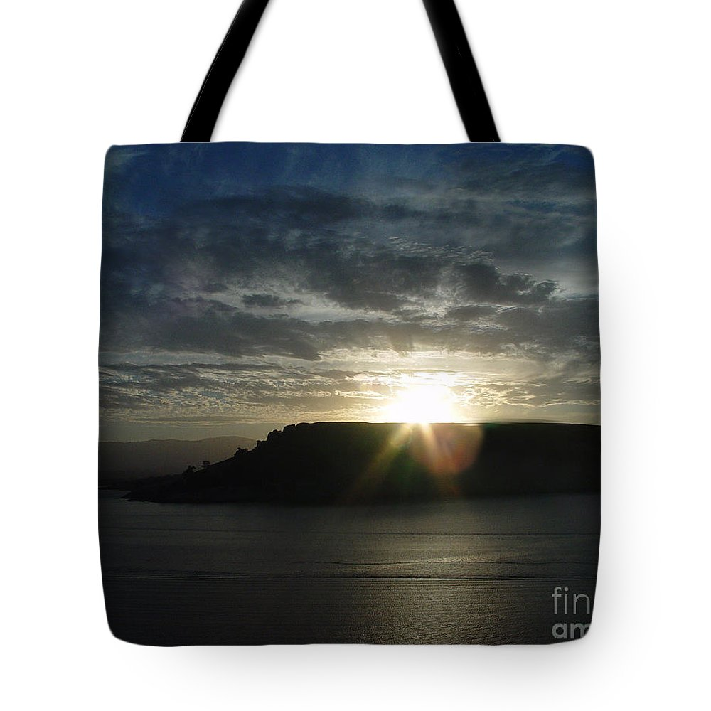 Black Butte Lake Tote Bag featuring the photograph Black Butte Sunrise by Peter Piatt