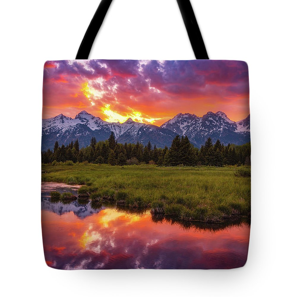 Sunsets Tote Bag featuring the photograph Black Ponds Sunset by Darren White