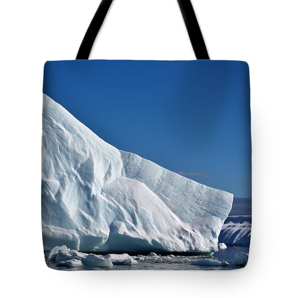 Iceberg Tote Bag featuring the photograph Blue And White by Chris Hanlon