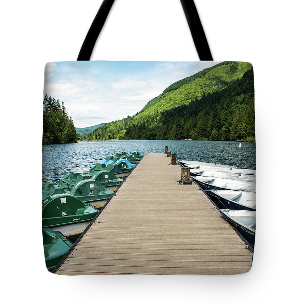 Boat Fun At Silver Lake Tote Bag featuring the photograph Boat Fun At Silver Lake by Tom Cochran