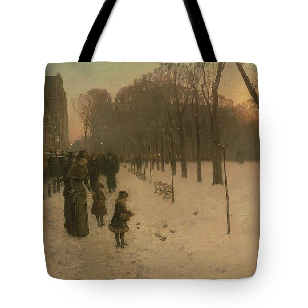 At Dusk (boston Common At Twilight) 1885�86 Childe Hassam (american Tote Bag featuring the painting Boston Common At Twilight by Childe Hassam
