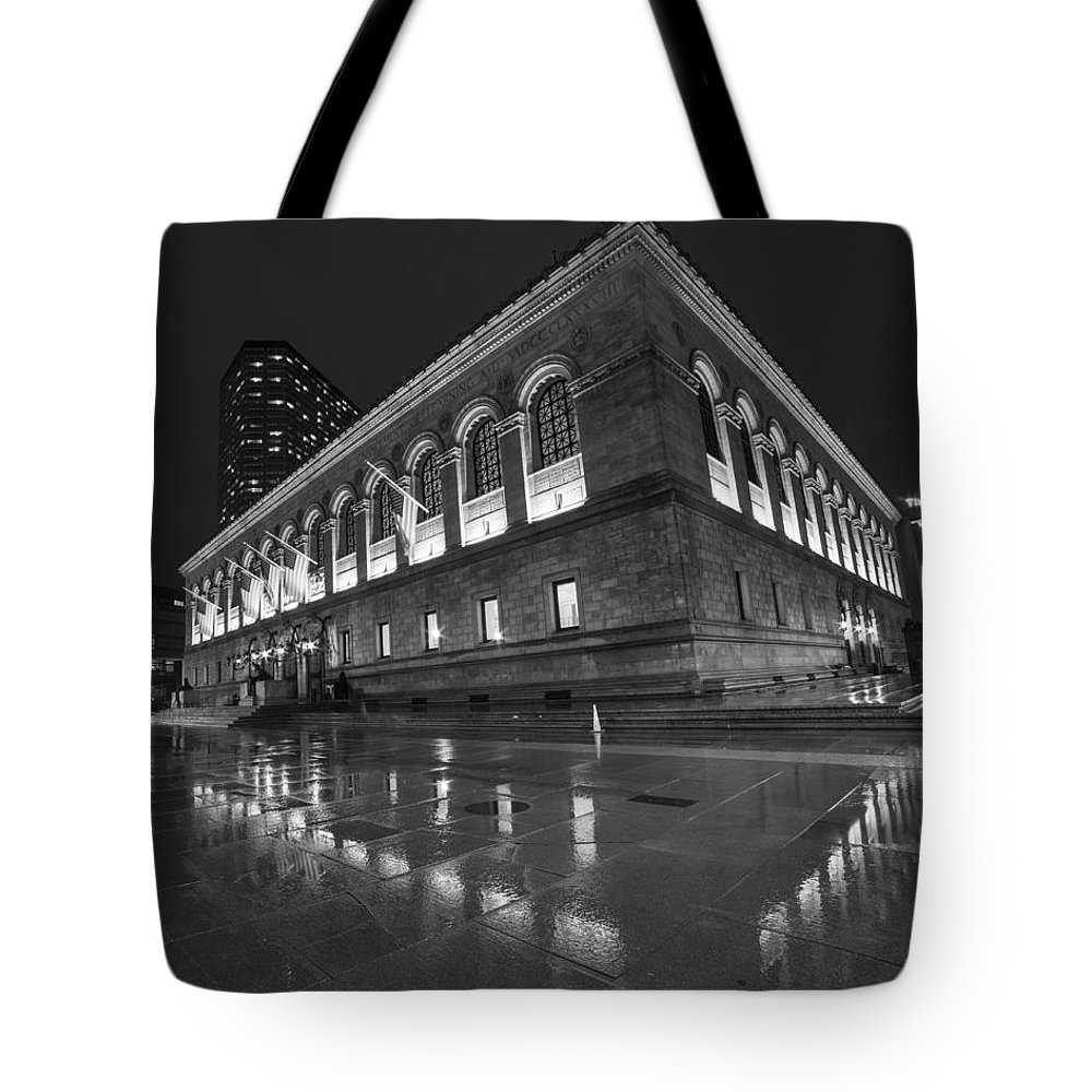 Boston Tote Bag featuring the photograph Boston Public Library Rainy Night Boston Ma Black And White by Toby McGuire