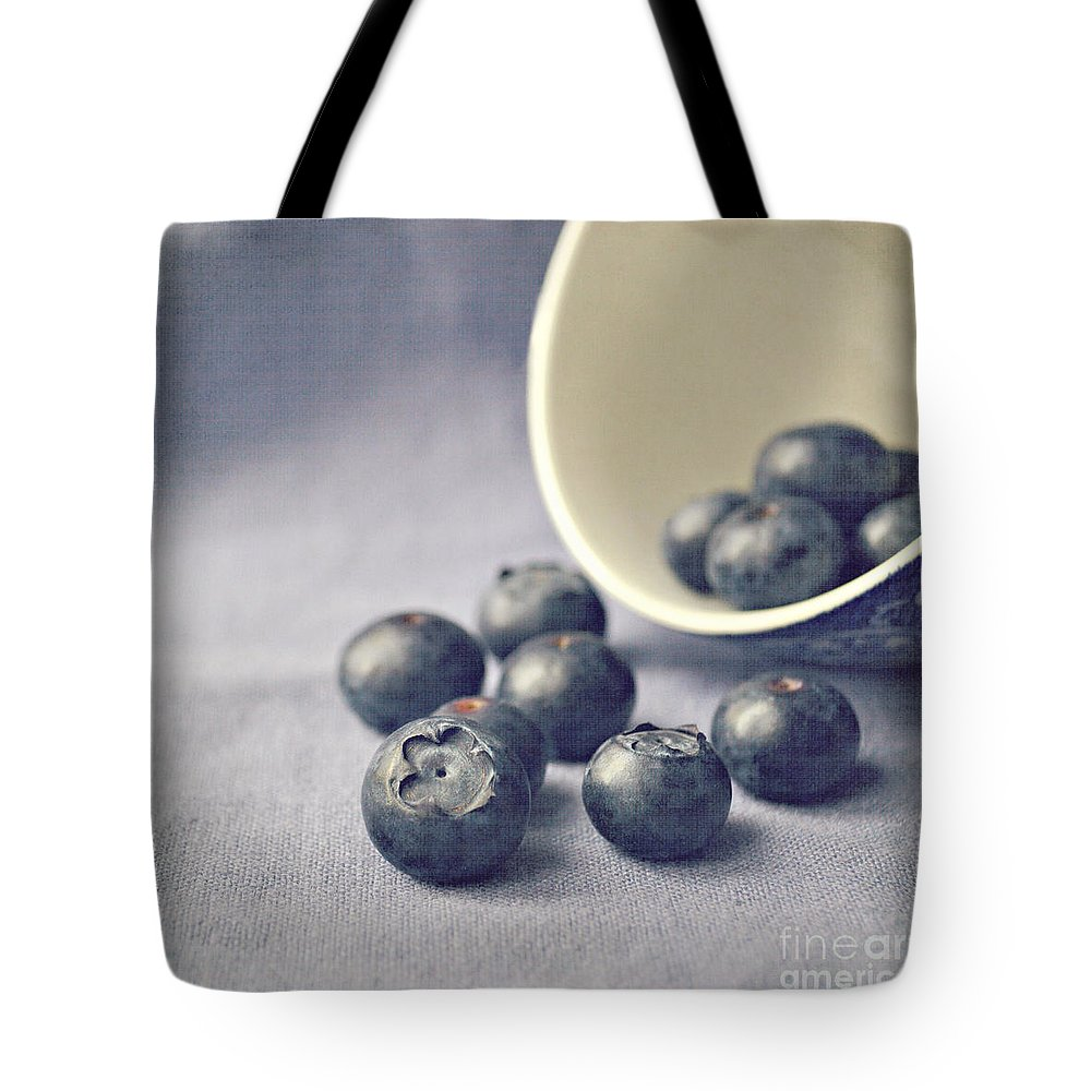 Blueberries Tote Bag featuring the photograph Bowl Of Blueberries by Lyn Randle