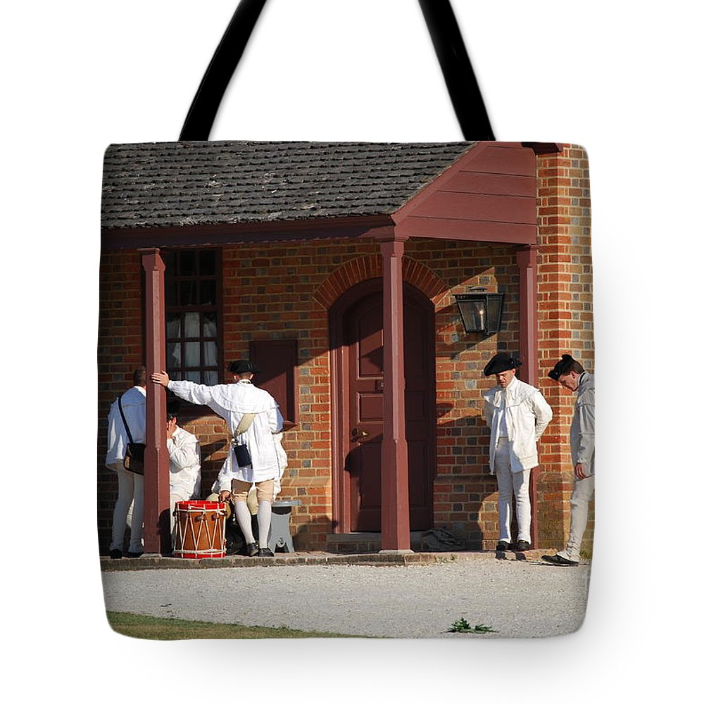 Williamsburg Tote Bag featuring the photograph Break Time by Eric Liller