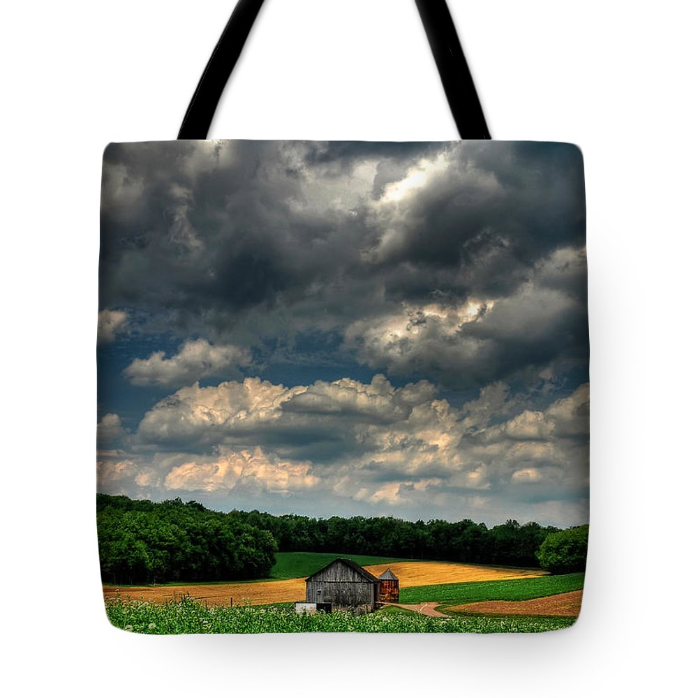 Old Barn Tote Bag featuring the photograph Brooding Sky by Lois Bryan