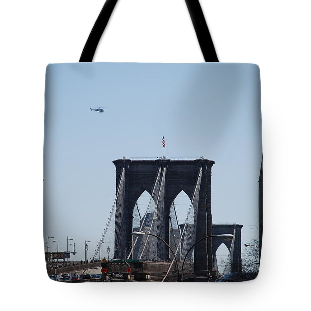 Architecture Tote Bag featuring the photograph Brooklyn Bridge by Rob Hans