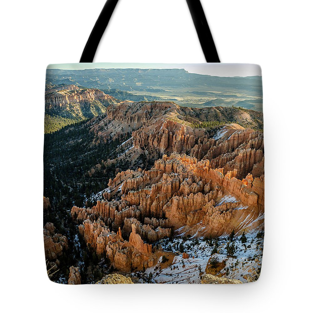 Bryce Canyon Tote Bag featuring the photograph Bryce Canyon - 9 by Tom Clark
