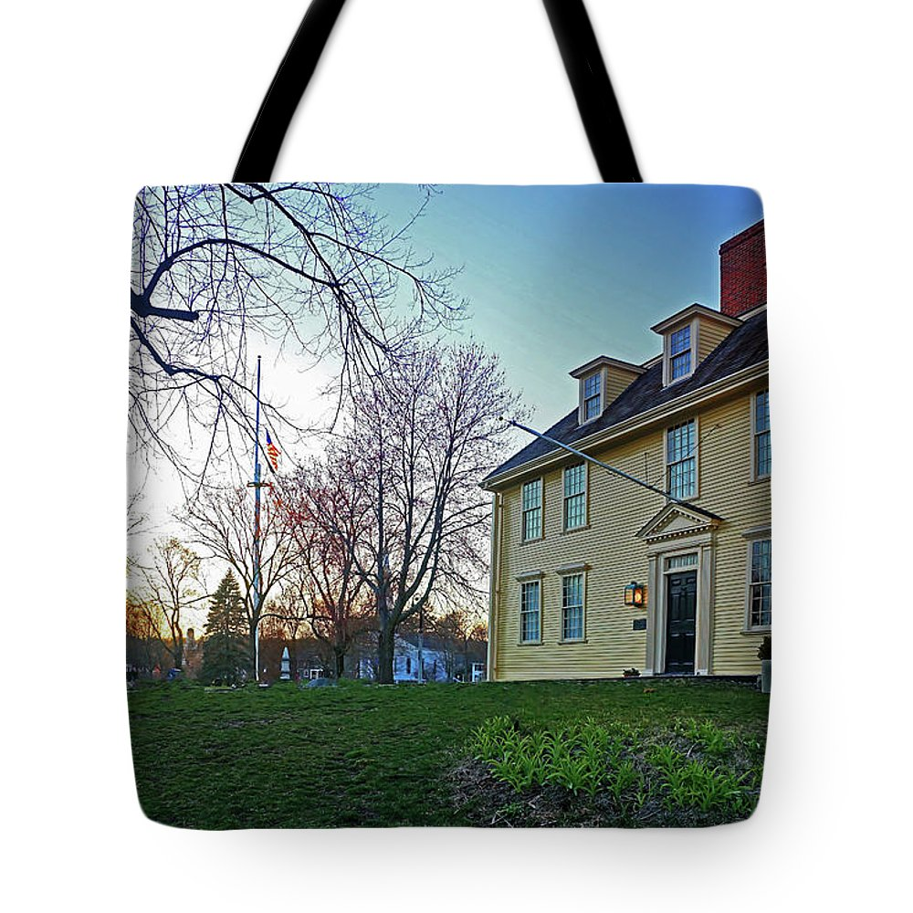 Historic Lexington Green American Revolution Battle Concord April 19 Tote Bag featuring the photograph Buckman Tavern At Sunset by Wayne Marshall Chase