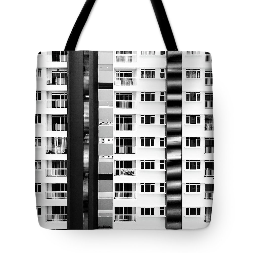 Building Buildings Black And White Tote Bag featuring the photograph Building by Abdo alrhman Steam ryder