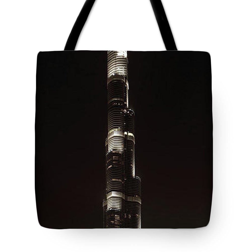 burj Khalifa Tote Bag featuring the photograph Burj Khalifa Tower - Dubai by Daniel Hagerman