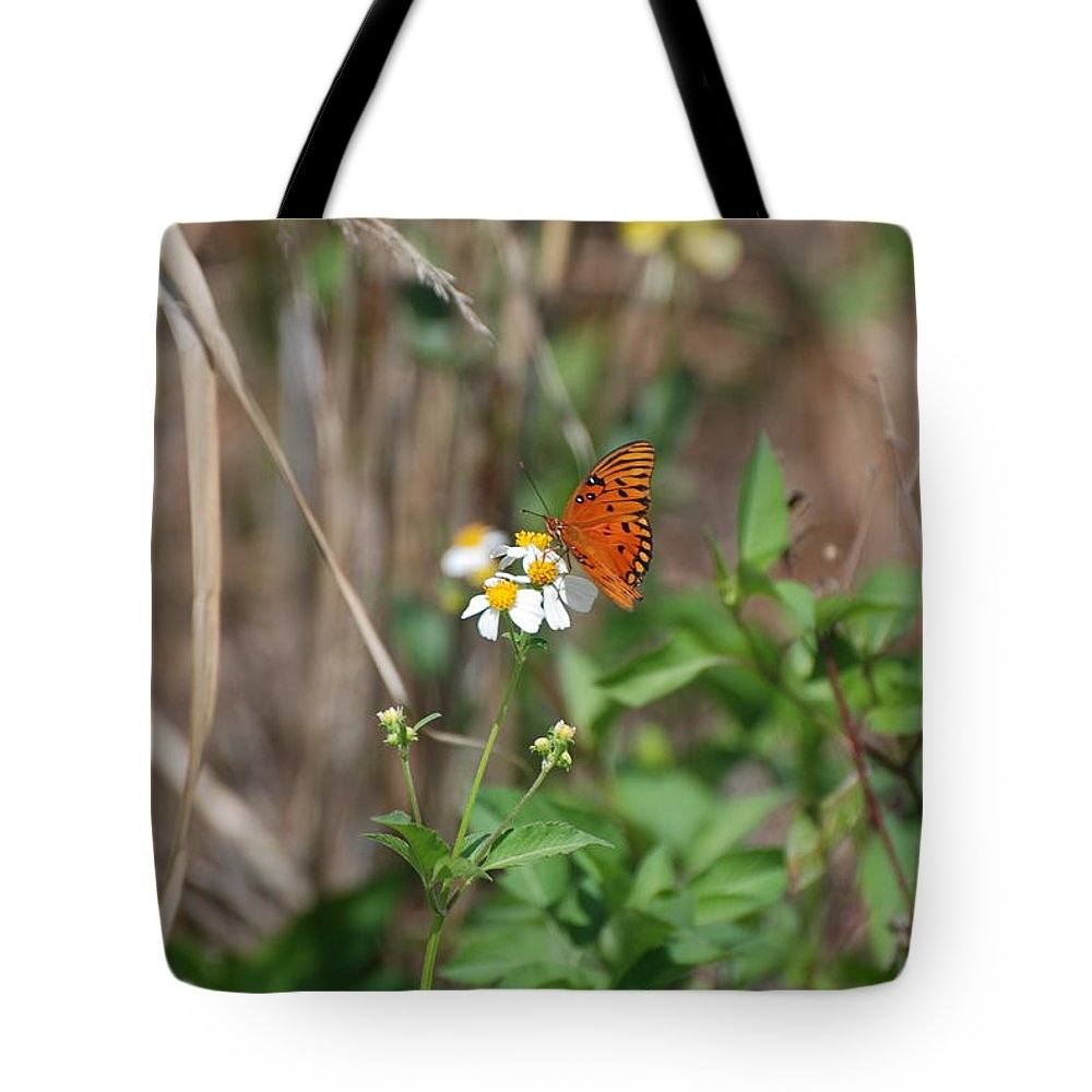 Butterfly Tote Bag featuring the photograph Butterfly Flower by Rob Hans