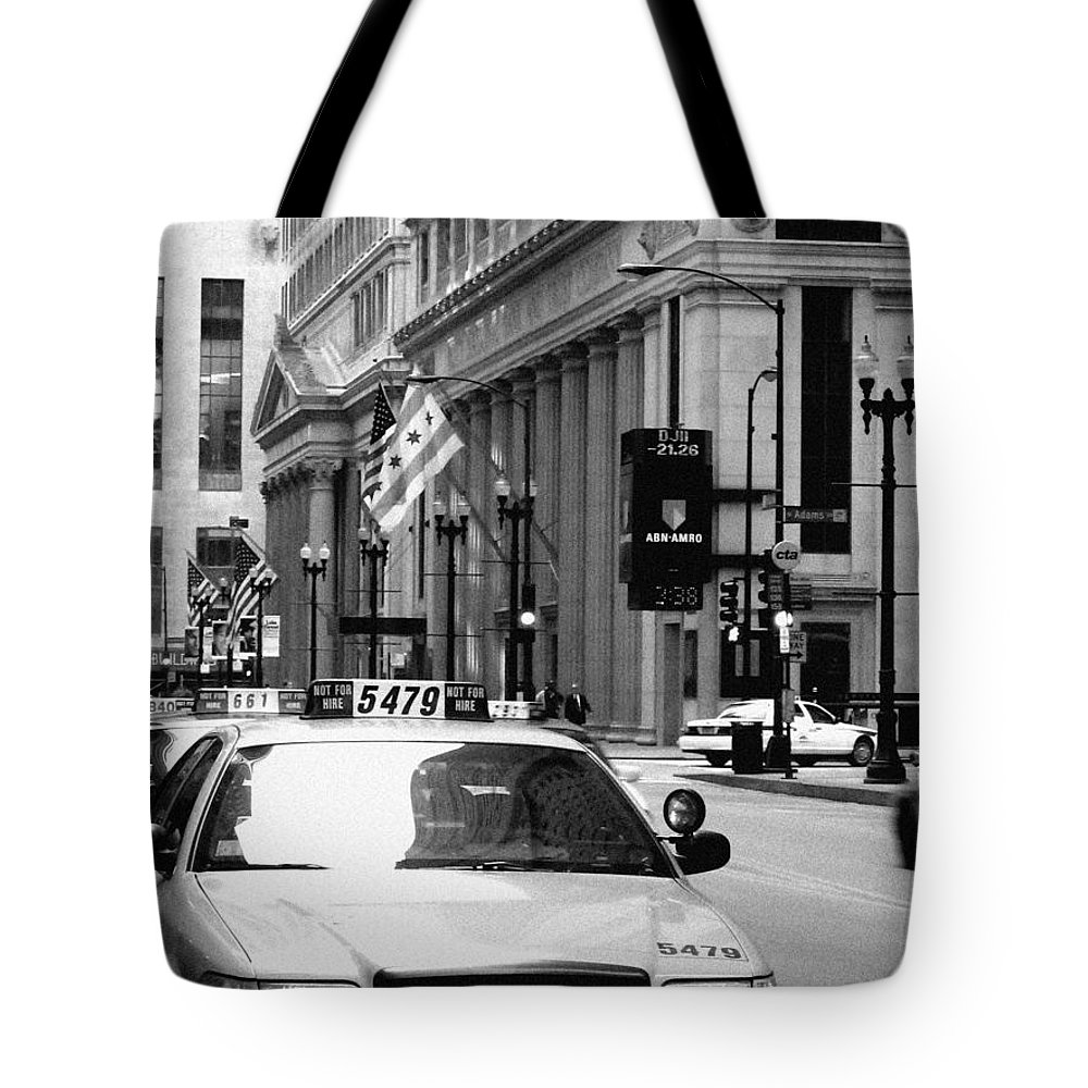 Chicago Tote Bag featuring the photograph Cabs In The City by Laura Kinker