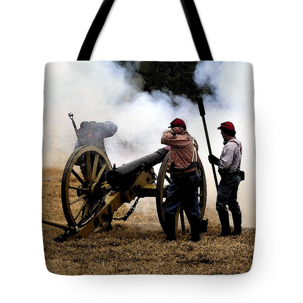 Civil War Tote Bag featuring the painting Cannon Fire by David Lee Thompson