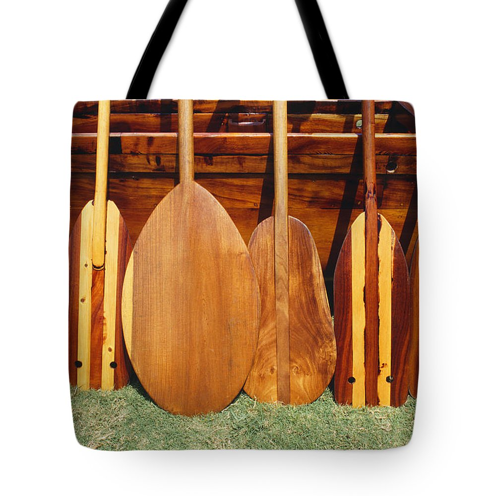 Blade Tote Bag featuring the photograph Canoe Paddles by Joe Carini - Printscapes