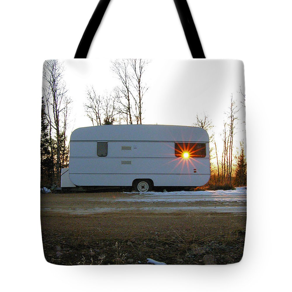 Caravan Tote Bag featuring the photograph Caravan by Are Lund