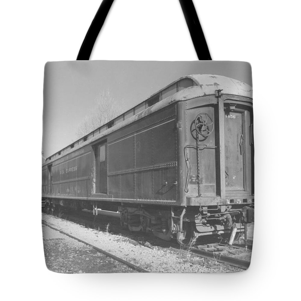 Other Tote Bag featuring the photograph Carridge Car by John Graziani