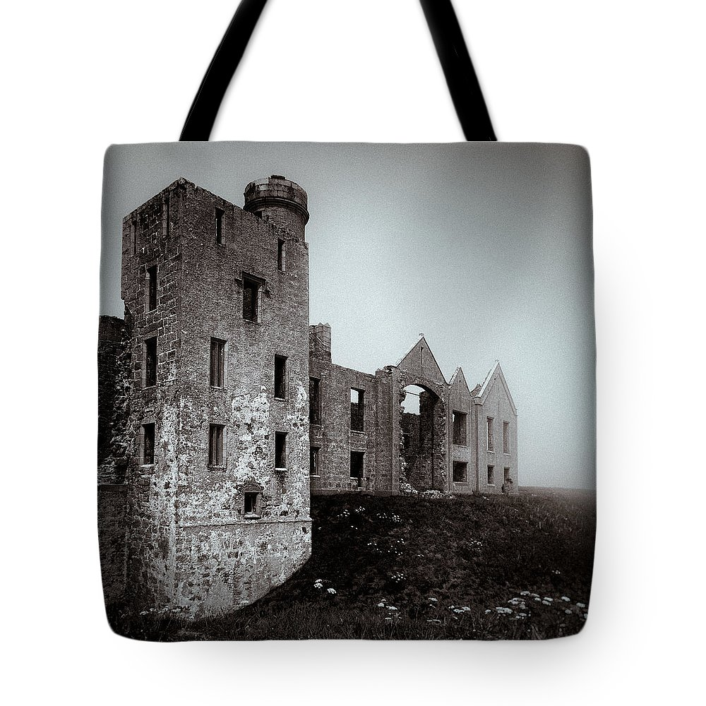 Slains Castle Tote Bag featuring the photograph Slains In The Fog by Dave Bowman
