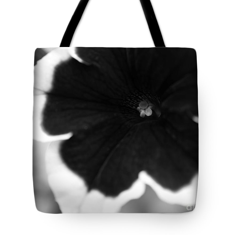 Floral Tote Bag featuring the photograph Centered by Amanda Barcon