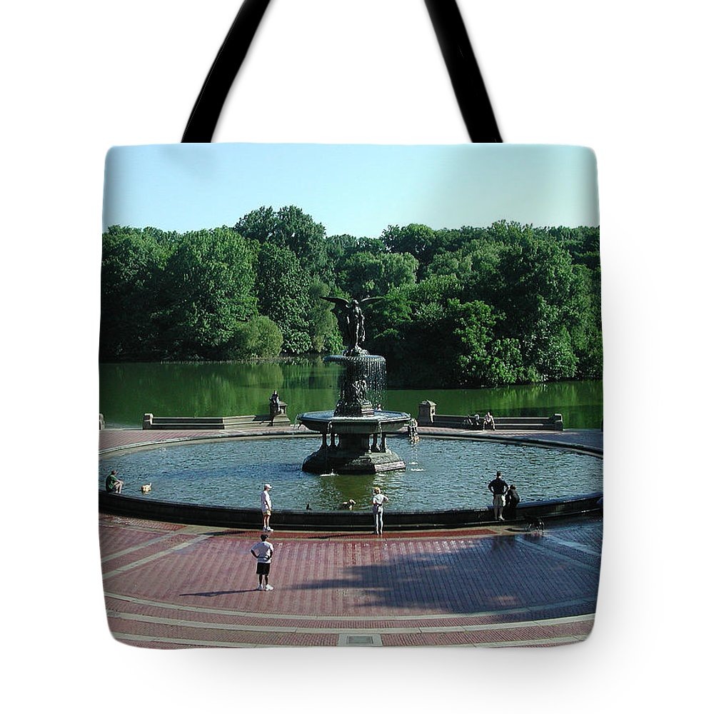 Central Park Tote Bag featuring the photograph Central Fountain by Kelvin Booker