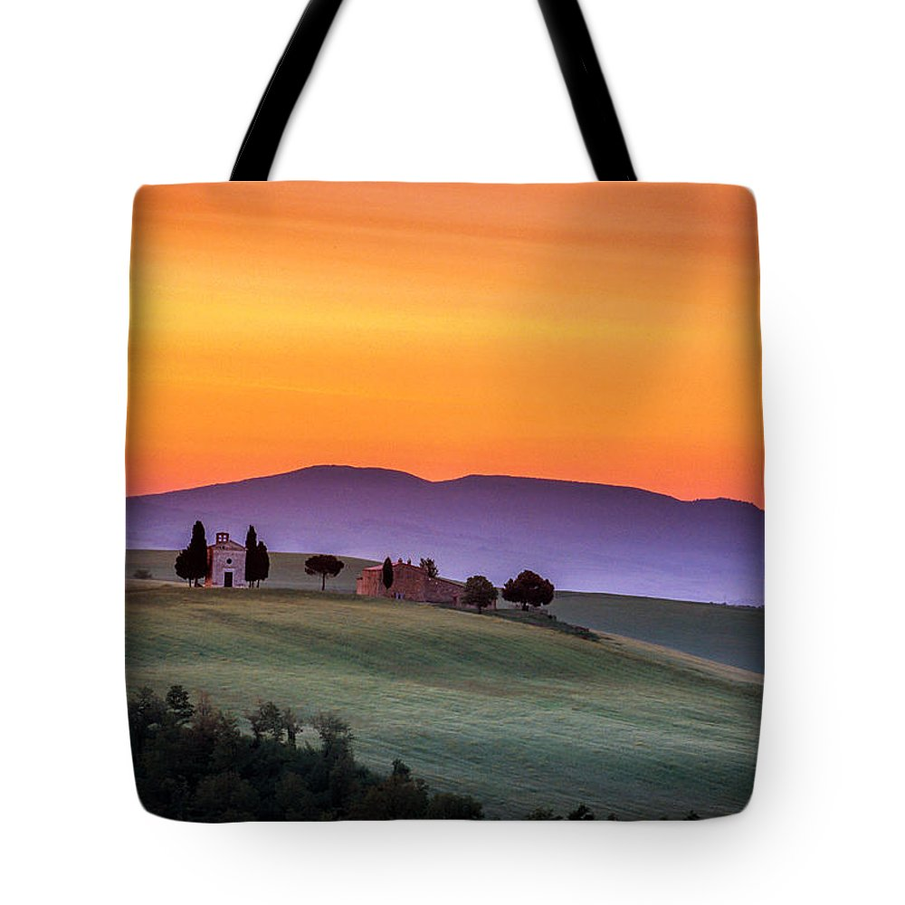 Italy Tote Bag featuring the photograph Chapel And Farmhouse In Tuscany by Andrew Soundarajan