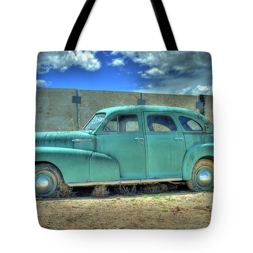 Chevrolet Tote Bag featuring the photograph Chevrolet Fleetmaster by Tony Baca