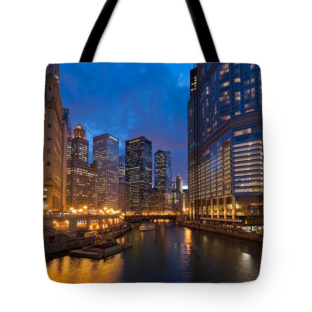 Architecture Tote Bag featuring the photograph Chicago River Lights by Steve Gadomski
