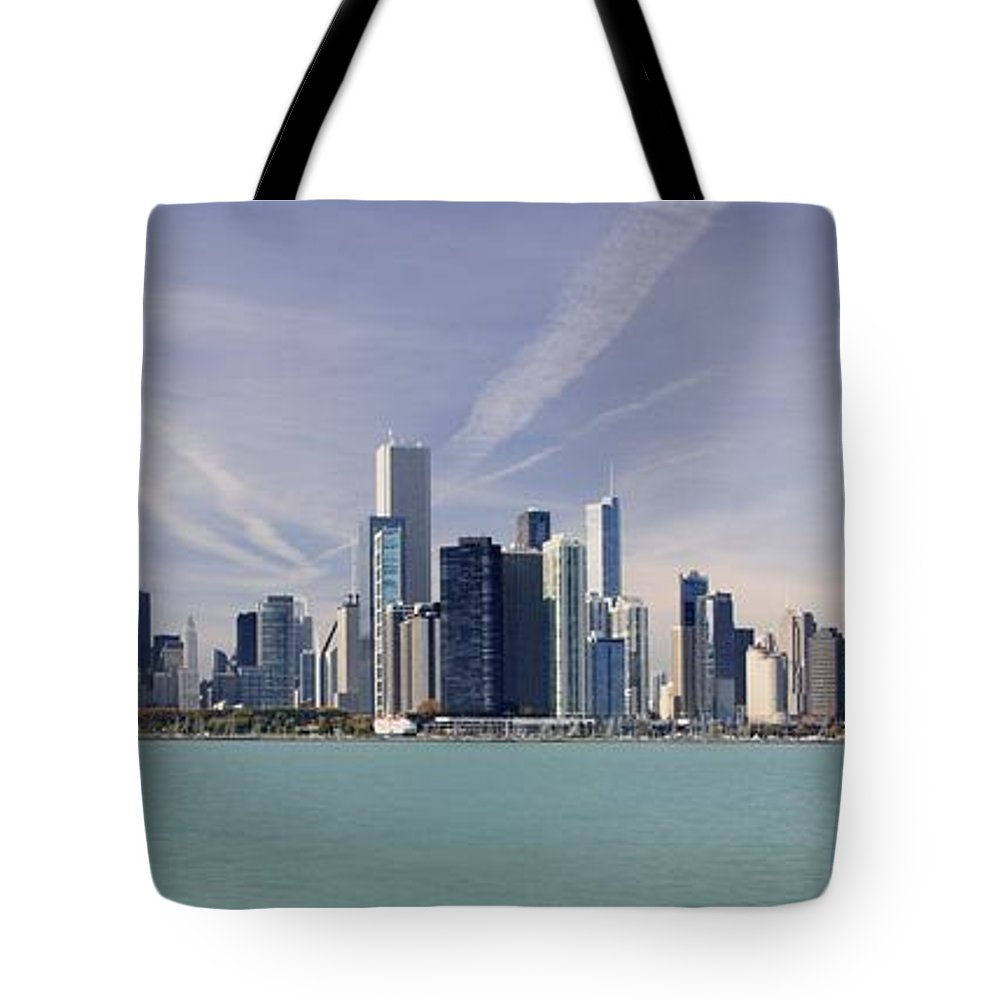 Chicago Tote Bag featuring the photograph Chicago Skyline by Richard Lynch