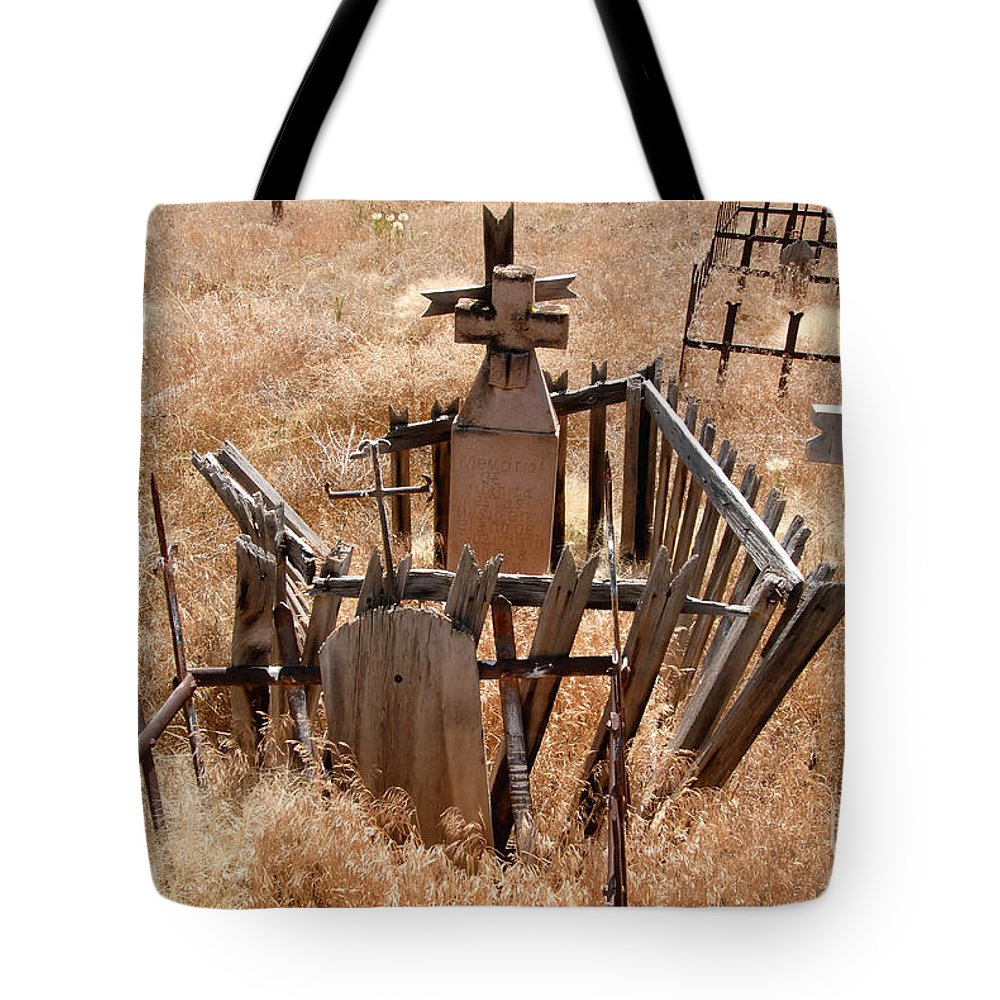 Chimayo New Mexico Tote Bag featuring the photograph Chimayo Cemetery by David Lee Thompson