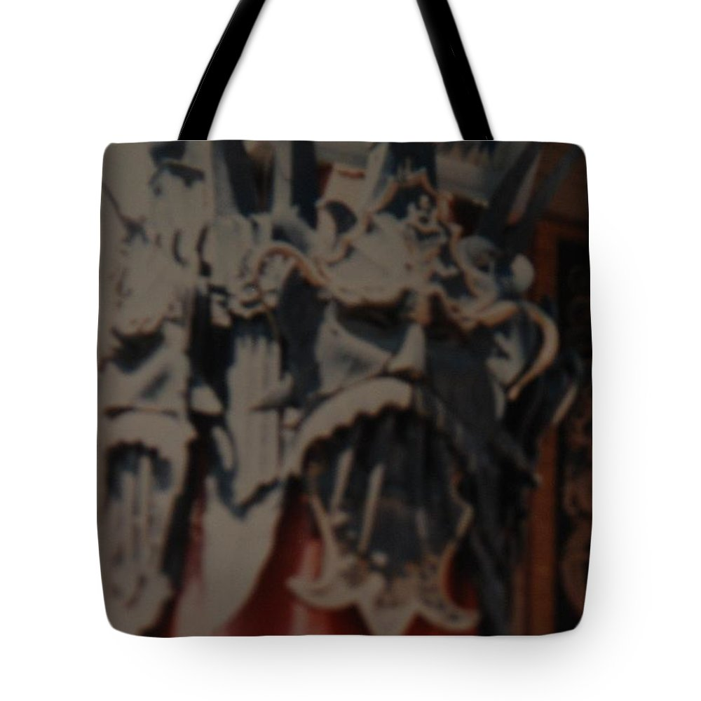 Grumanns Chinese Theater Tote Bag featuring the photograph Chinese Masks by Rob Hans