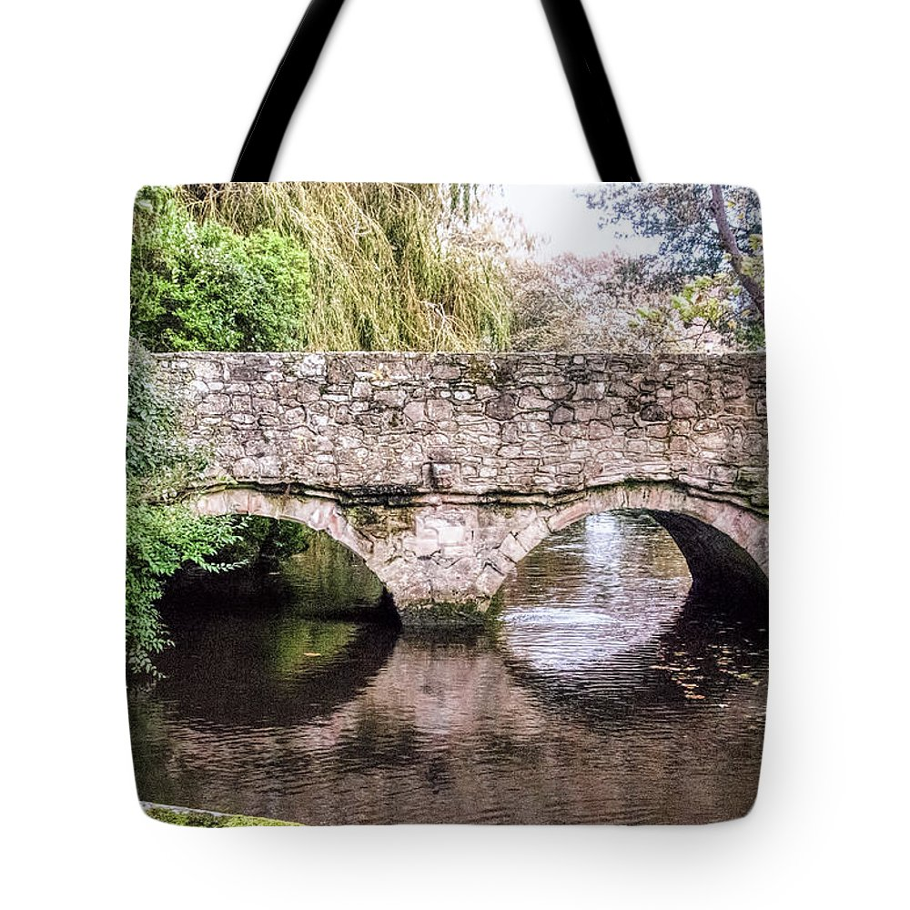 Christchurch Bridge Over The Millstream Tote Bag featuring the photograph Christchurch - Bridge Over The Millstream by Phyllis Taylor
