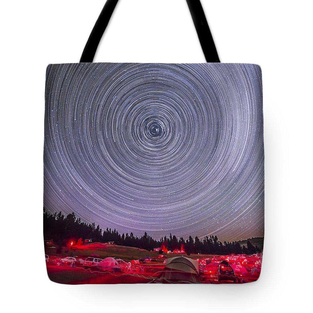 Circumpolar Stars Tote Bag featuring the photograph Circumpolar Star Trails Above The Table by Alan Dyer