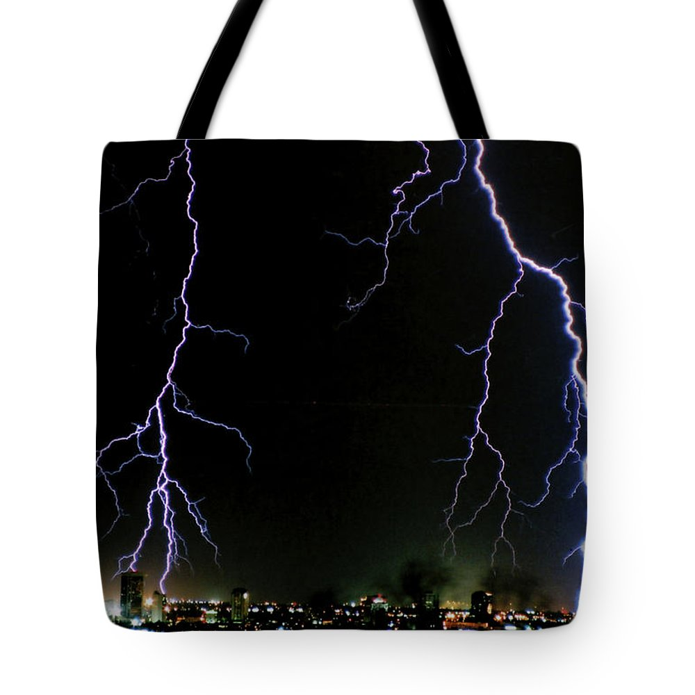 Arizona Tote Bag featuring the photograph City Lights by Cathy Franklin