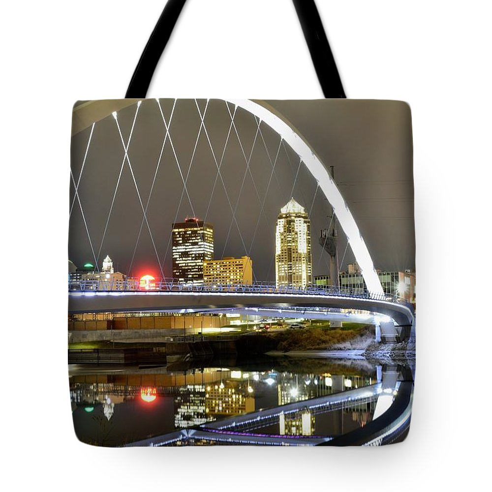 Des Moines Tote Bag featuring the photograph City Of The Midwest by Justin Langford