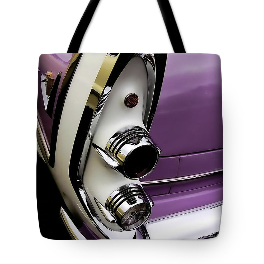 Vintage Tote Bag featuring the photograph Classic by David Patterson