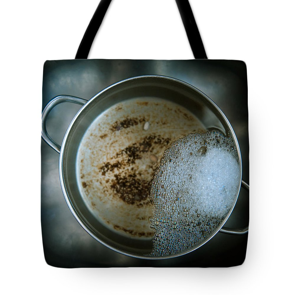 Pan Tote Bag featuring the photograph Cleaning The Pot by Scott Sawyer