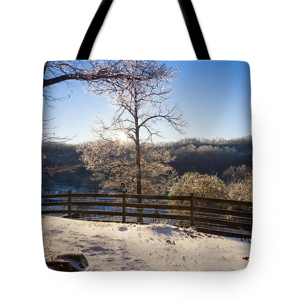 Clinton Tote Bag featuring the photograph Clinton Tennessee by Melinda Fawver