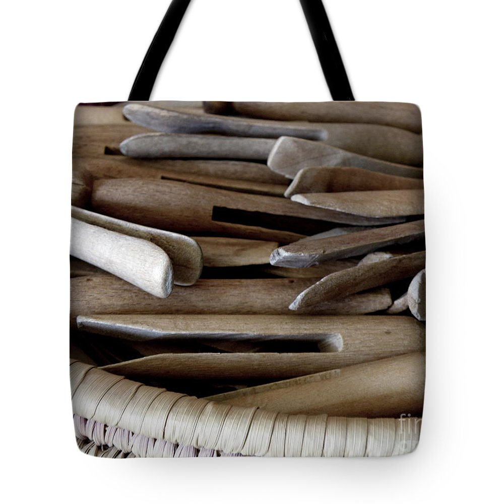 Clothes-pins Tote Bag featuring the photograph Clothes-pins by Lainie Wrightson