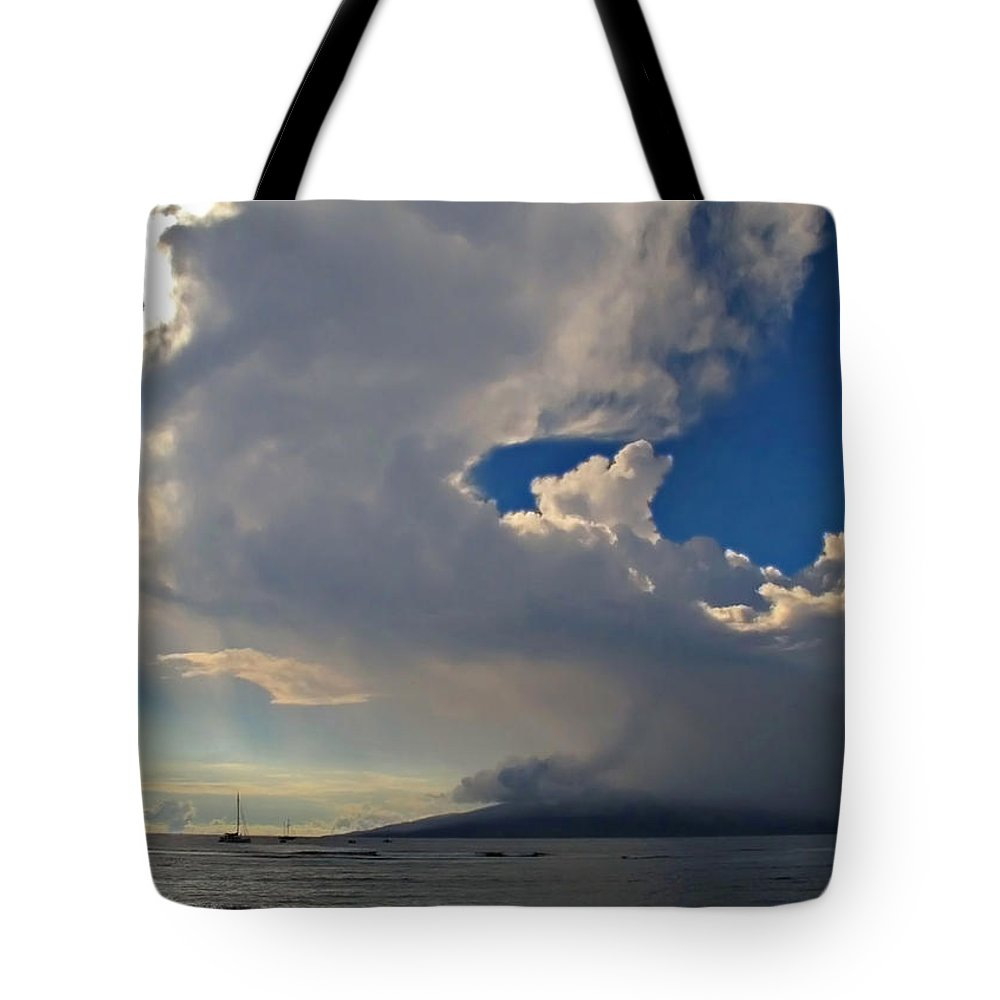Hawaii Tote Bag featuring the photograph Clouds Rising by Joan Minchak